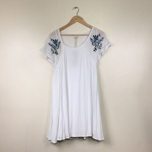 Hailey Lyn White Floral Embroidered Crepe Dress